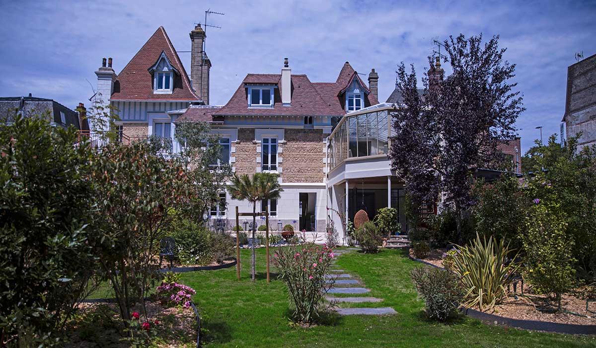 Jardin de la Maison ReN à Deauville