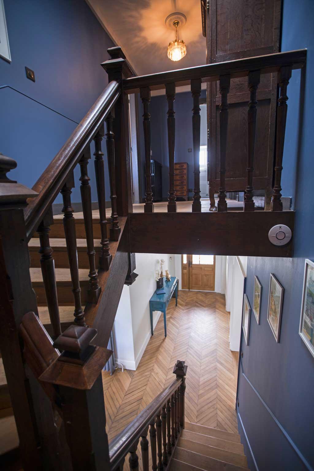 Escalier intérieur de la Maison ReN