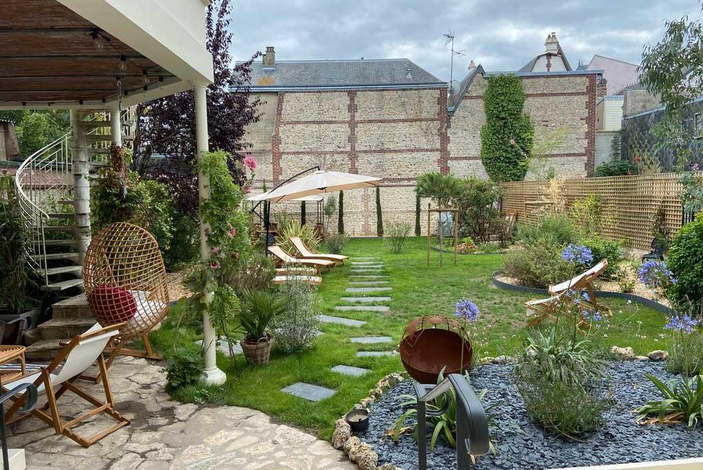Jardin clos de la Maison ReN à Deauville