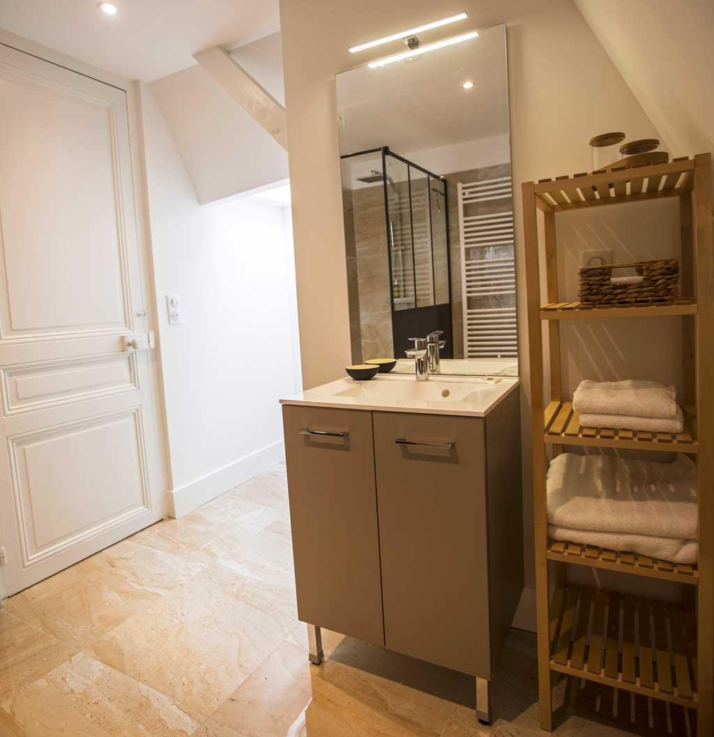 Villa à Deauville salle de douche de la chambre Blanche